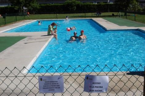 La reforma de las piscinas acaba con las continuas for Piscinas municipales palencia